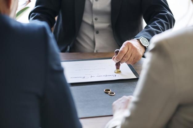Guia do divórcio: torne esse momento difícil mais prático.
